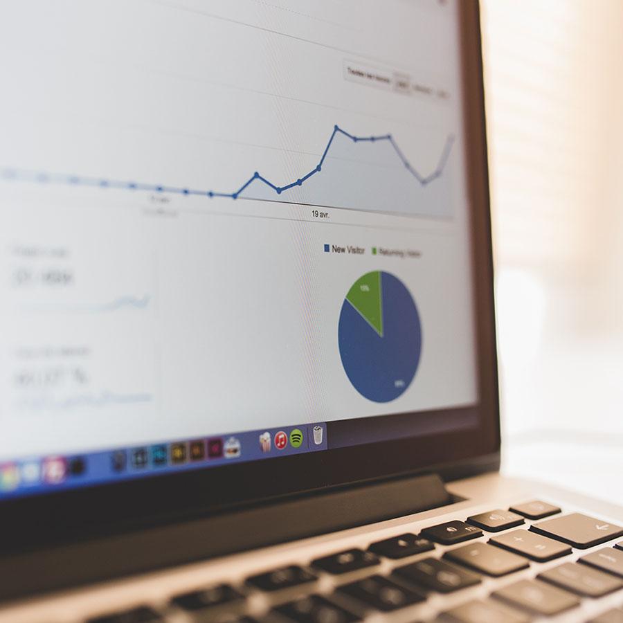 macbook-with-google-statistics